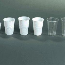 DRINKBEKERS IN KUNSTSTOF